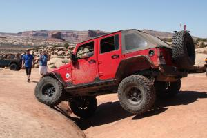 Mike's very capable JK going through the Silver Crack on 7 Mile Rim.